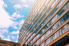 Construção moderna abstrata do arranha-céus Foto de Stock