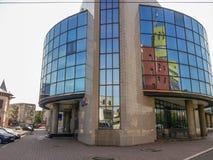 Construção moderna da arquitetura de negócio dos vidros em Buzau Imagens de Stock