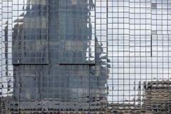 Construção moderna da fachada ao longo do rio Tamisa em Londen, Inglaterra Fotografia de Stock