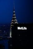 Construção na noite, Manhattan de Chrysler, NYC Foto de Stock