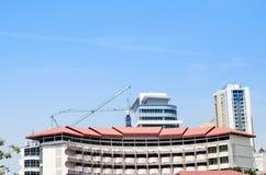 Construção no céu azul Fotografia de Stock Royalty Free