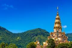 A construção no templo de Phasornkaew, Tailândia imagem de stock