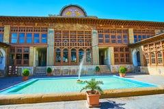 A construção principal do complexo de Zinat Ol-Molk, Shiraz, Irã Imagens de Stock Royalty Free