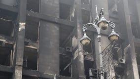 Construção queimada do sindicato em Kiev, Ucrânia vídeos de arquivo