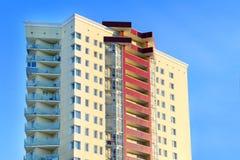 Construção residencial amarela Imagens de Stock