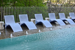 Construção residencial com piscina Fotografia de Stock