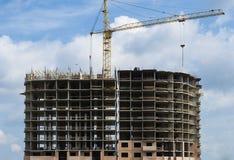 Construção residencial concreta monolítica sob a construção foto de stock