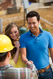 Construção: Reunião do proprietário com contratante Imagem de Stock Royalty Free