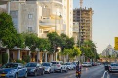 construção 5-storey na luz morna do por do sol Imagens de Stock