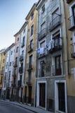 Construção típica das casas na cidade velha da cidade de Cuenc Imagens de Stock Royalty Free