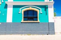 Construção típica em um dia ensolarado Lisboa, Portugal imagem de stock