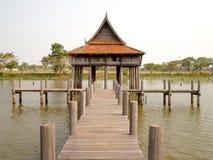 Construção tailandesa do estilo, ubonratchathani, Tailândia imagens de stock