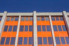 Construção urbana matizada das janelas Imagem de Stock Royalty Free