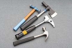 A construção utiliza ferramentas martelos imagem de stock