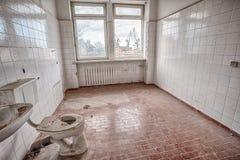 Construção velha, abandonada e esquecida Fotos de Stock Royalty Free
