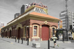 Construção velha clássica situada no cais da alfândega em Wellington CBD Foto de Stock