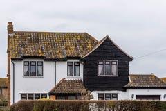 Construção velha com a fachada preta em Somerset Fotos de Stock