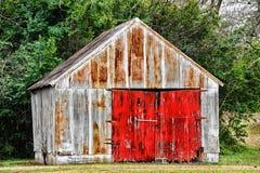 Construção velha da garagem Fotos de Stock Royalty Free
