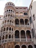Construção velha de Veneza o scala contarini del bovolo fotografia de stock