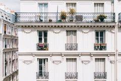 Construção velha do vintage em Paris, france Fotos de Stock