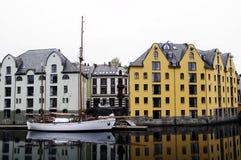 Construções @ Alesund da margem, Noruega Imagens de Stock Royalty Free