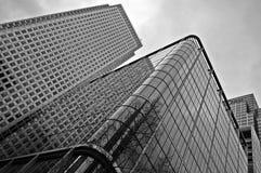 Construções altas da elevação disparadas de baixo de Fotos de Stock Royalty Free