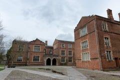 Construções da faculdade na faculdade de Winchester, Reino Unido fotografia de stock royalty free