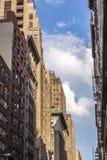 Construções de tijolo mais velhas altas em New York Imagem de Stock