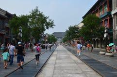 Construções do chinês tradicional com povos Fotografia de Stock