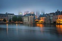Construções do governo no centro de Den Haag, Países Baixos foto de stock