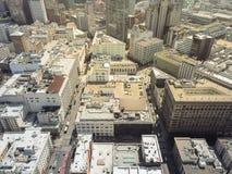Construções e arranha-céus do centro de San Francisco da vista superior fotografia de stock