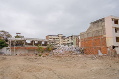Construções grandes destruídas no 16 de abril de 2016 durante o terremoto que mede 7 8 na escala de Richter, Ámérica do Sul Fotografia de Stock
