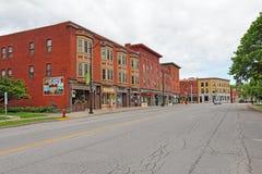 Construções históricas ao longo da rua larga em Hamilton do centro, novo fotos de stock