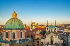 Construções históricas da arquitetura em Praga República Checa Imagem de Stock