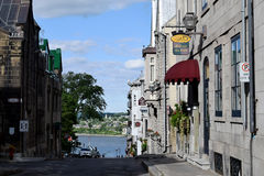 Construções históricas e St Lawrence River, Cidade de Quebec, Canadá fotografia de stock