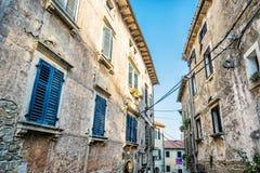 Construções históricas em Groznjan, Croácia foto de stock