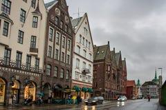 Construções históricas na rua em Berge, Noruega Foto de Stock Royalty Free