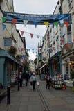 Construções históricas no centro de cidade de Monmouth, Gales, Reino Unido fotografia de stock
