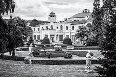 Construções históricas nos termas de Piestany, incolores imagens de stock royalty free
