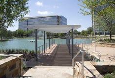 Construções modernas de Hall Park na cidade Frisco Texas Imagens de Stock
