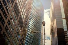 Construções modernas do negócio/cidade urbana dos Skyscrapers/ fotografia de stock