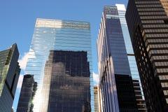 Construções modernas do negócio/cidade urbana dos Skyscrapers/ imagens de stock royalty free