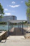 Construções modernas em Hall Park foto de stock royalty free