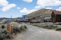 Construções na cidade fantasma abandonada de Bodie California Bodie era uma cidade ocupada, alta da mineração do ouro da elevação fotografia de stock royalty free