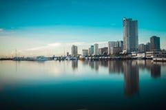 Construções no quadrado do porto de Manila Fotos de Stock