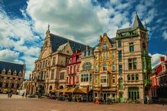 Construções típicas velhas com as barras em Ghent imagens de stock royalty free