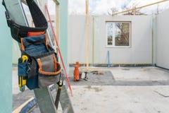 Constru??o da casa modular nova e moderna fotografia de stock
