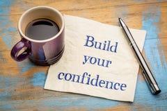 Construa sua confiança - conselho no guardanapo imagens de stock royalty free