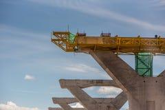 Construcción, autopista constructiva del puente del listón Fotos de archivo libres de regalías