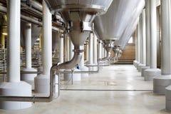Construcción compleja de las cisternas para la cerveza Imágenes de archivo libres de regalías